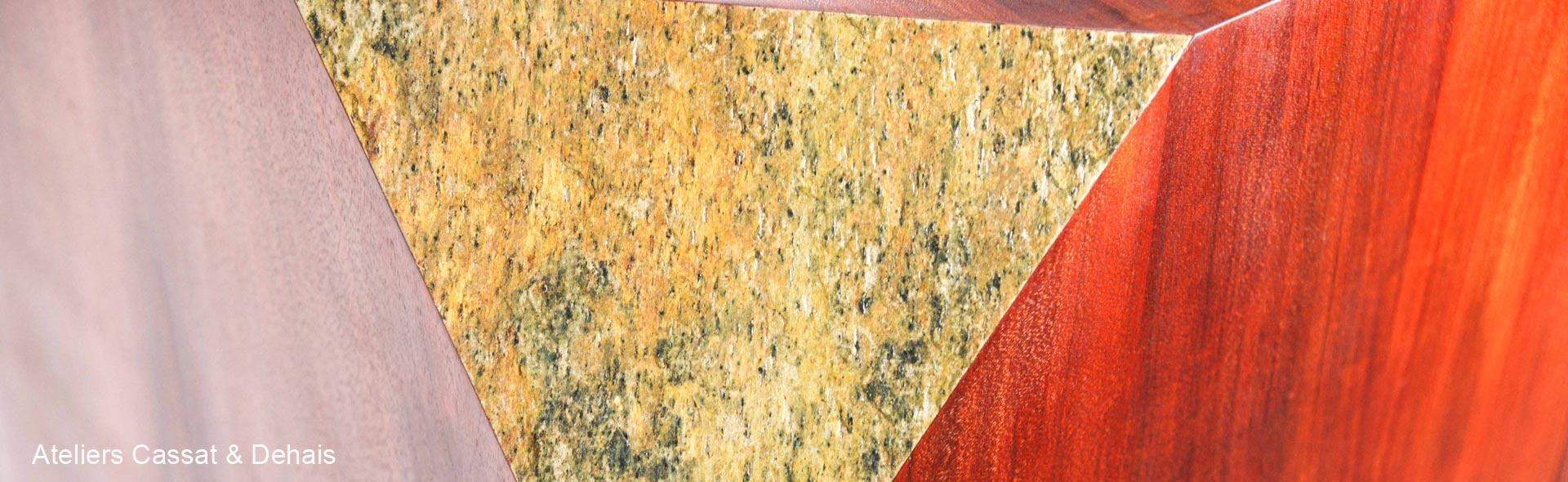 Ebénisterie et feuille de pierre naturelle