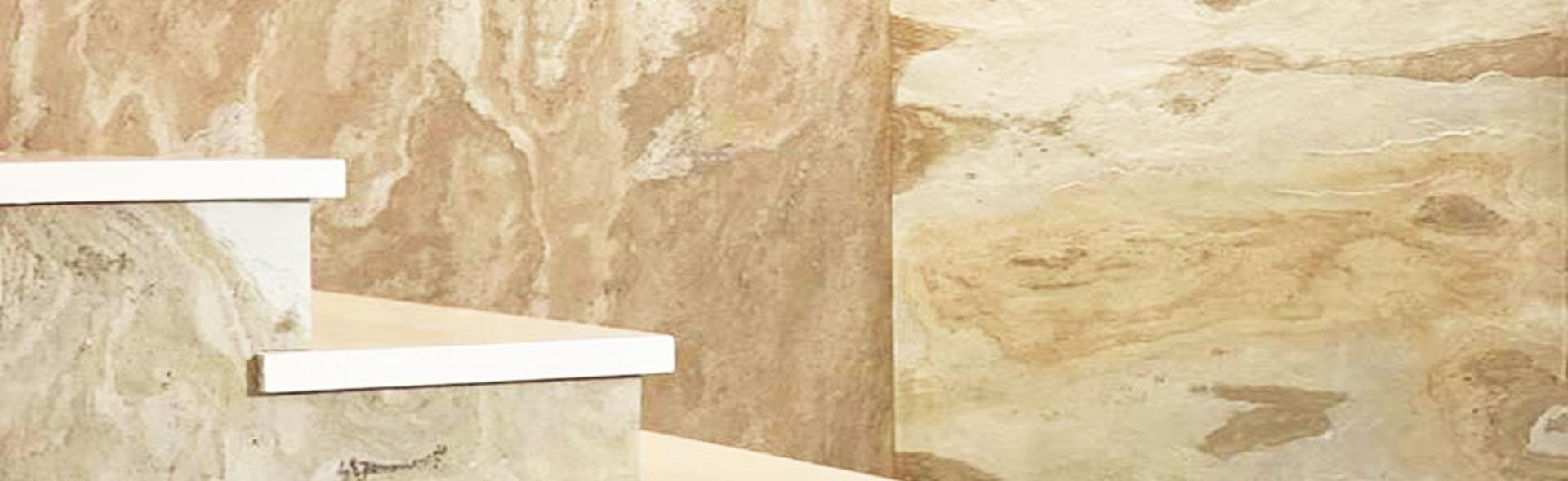 Feuille de pierre réf Brun Saturne posée au mur