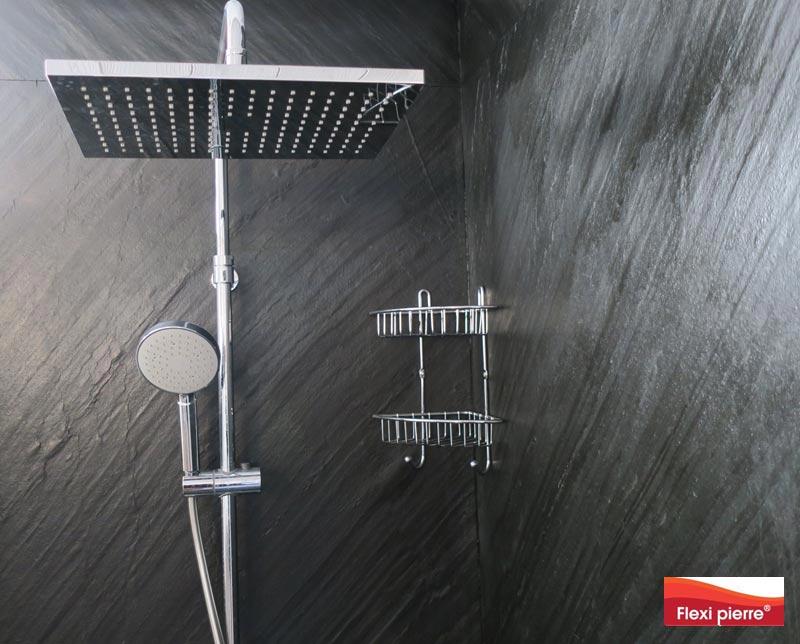 Cabine de douche avec feuilles de pierre Flexi Pierre référence Noir Stellaire