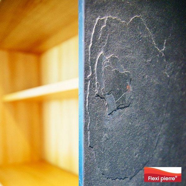 Placage de pierre sur bois, détail.