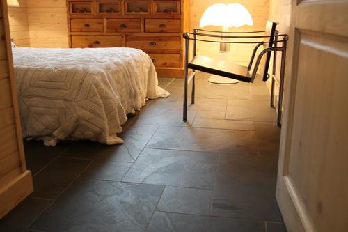 Dimensions des feuilles de pierre. Pose au sol, opus romain. Feuille de pierre ardoise