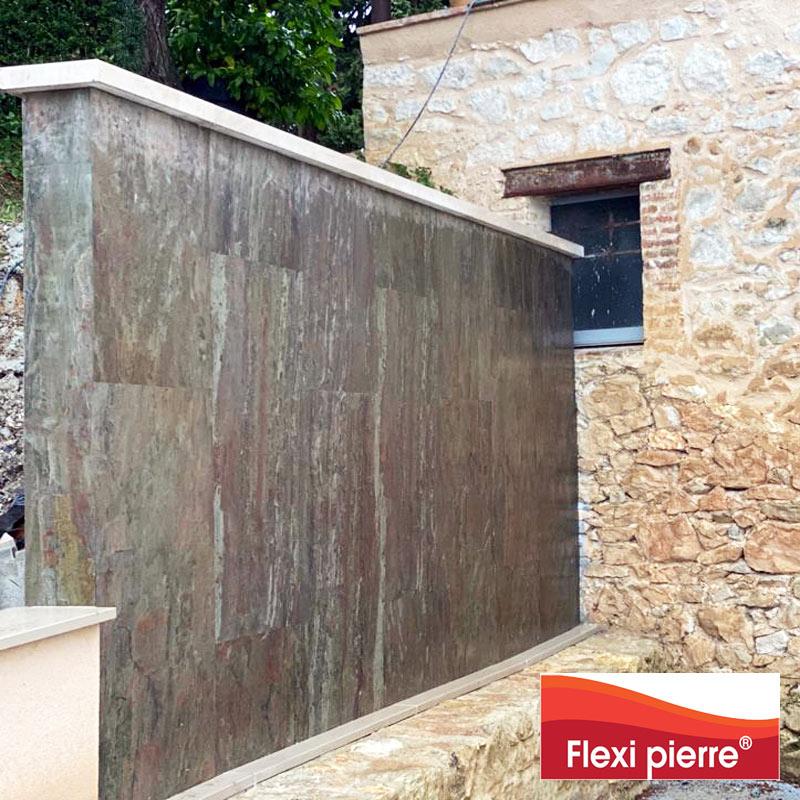 Pose murale en extérieur de feuille de pierre.